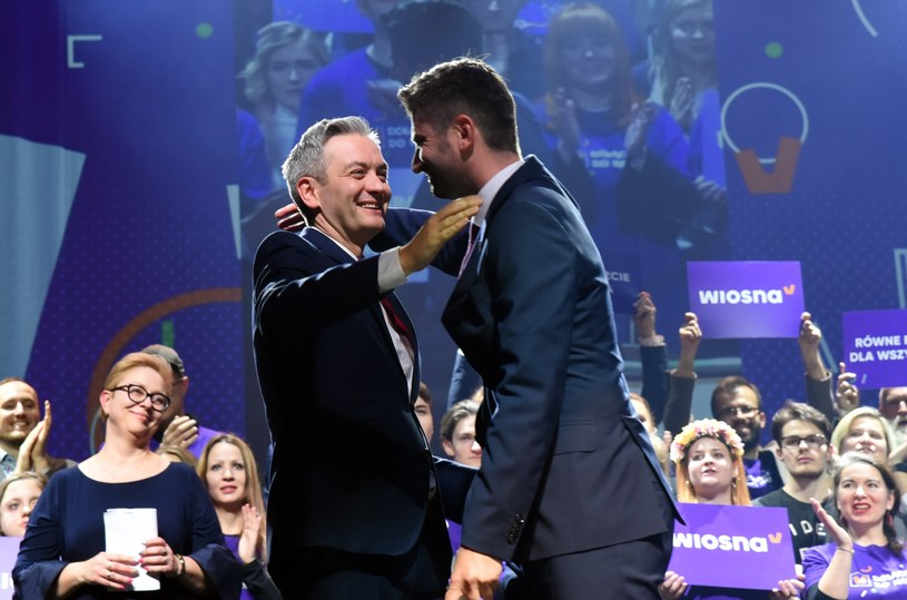 Lider Wiosny Robert Biedroń ze swoim partnerem Krzysztofem Śmiszkiem /Marek Lasyk/REPORTER  /Reporter