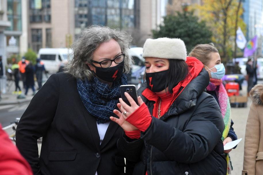 Liderki Strajku Kobiet: Joanna Pszczoła i Marta Lempart / Radek Pietruszka   /PAP
