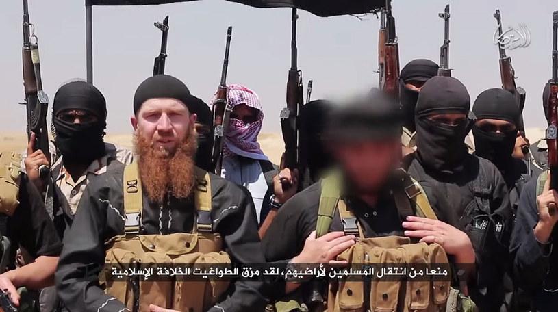 Liderzy ISIL na material wideo przesłanym do mediów /HO / Al-Itisam Media /AFP