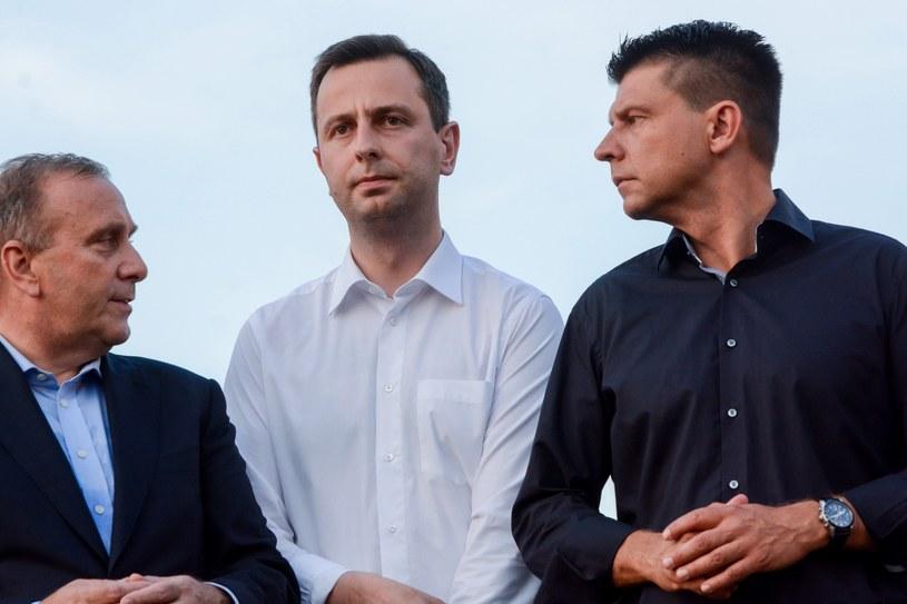 Liderzy partii opozycyjnych, od lewej: Grzegorz Schetyna (PO), Władysław Kosiniak-Kamysz (PSL) i Ryszard Petru (Nowoczesna) /Mariusz Gaczyński /Reporter