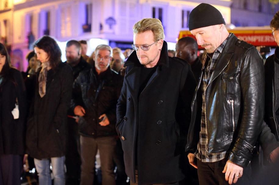 Liderzy U2 oddają hołd ofiarom ataku w Paryżu /Malte Christians /PAP/EPA