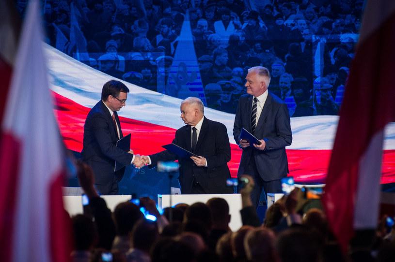 Liderzy Zjednoczonej Prawicy: Jarosław Kaczyński oraz Zbigniew Ziobro i Jarosław Gowin /Jacek Domiński /Reporter