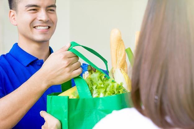 Lidl wstrzymuje testy dostawy zakupów do domu /©123RF/PICSEL