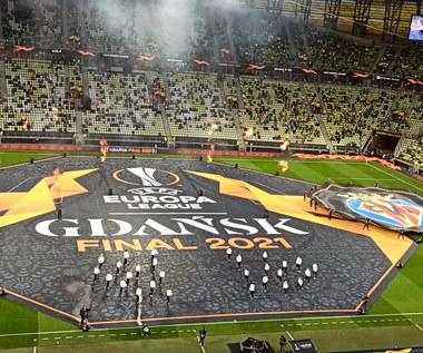 Liga Europy. Ceremonia na stadionie Polsat Plus Arena przed finałem Villarreal - Manchester United. Wideo