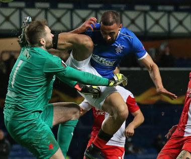 Liga Europy. Glasgow Rangers - Slavia Praga. Bandycki faul Kemara Roofe. Wideo