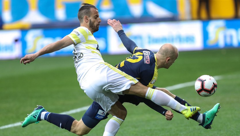 Liga turecka: Goztepe Spor - Ankaragucu 2-1. Gol Pazdana