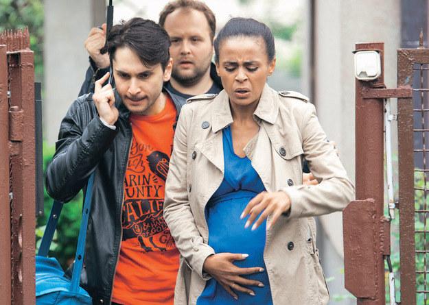 Lilianę na porodówkę transportować będą Irek i Klemens /Agencja W. Impact