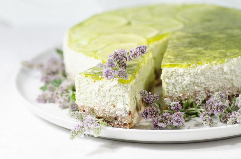 Limonkowy serniczek na herbatnikach /123RF/PICSEL