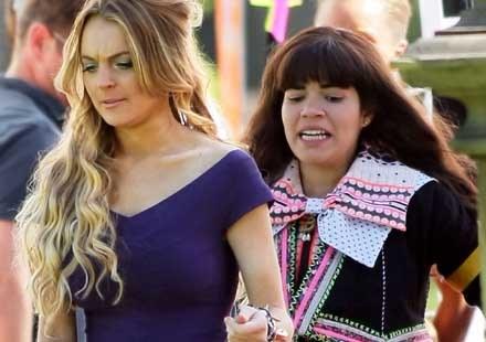 """Lindsay Lohan i America Ferrera na planie """"Brzyduli Betty"""" /Splashnews"""