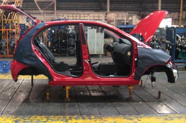 Linia produkcyjna fabryki Tata w Pune (Indie) /INTERIA.PL