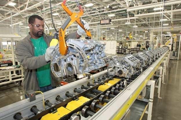 Linia produkcyjna nowego silnika /