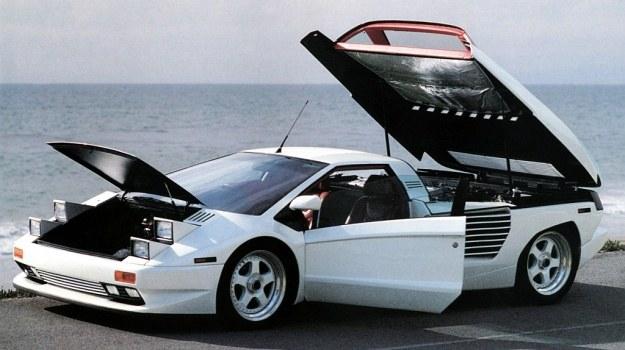 Linie zewnętrzne samochodu Cizeta Moroder przypominają bardzo Lamborghini Countach. Nic dziwnego, oba projekty są dziełem tego samego stylisty noszącego nazwisko Gandini. /Motor