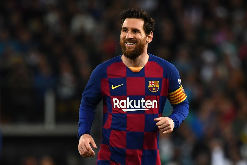 Lionel Messi cieszy się na powrót kibiców, choć będzie musiał na nich poczekać do września /AFP