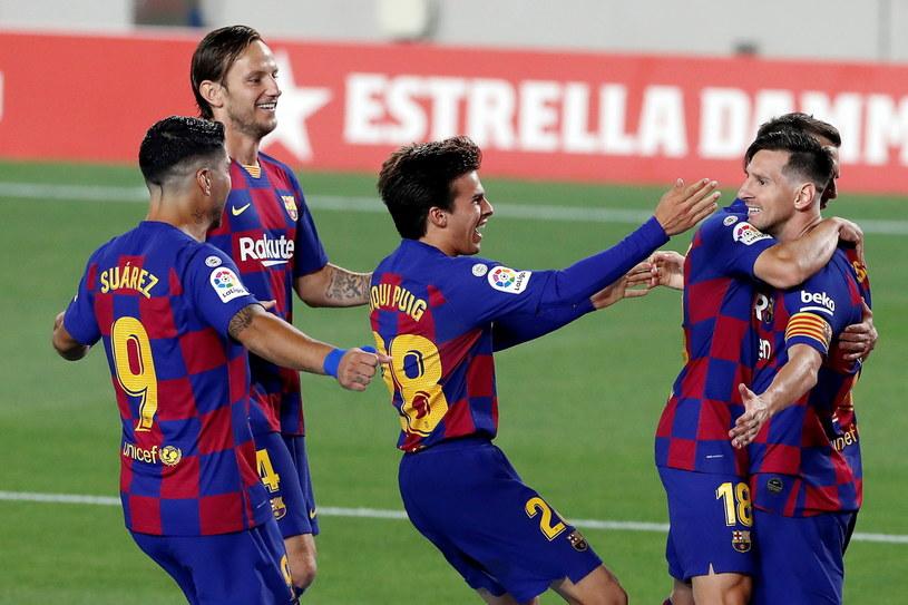Lionel Messi cieszy się ze zdobytej bramki /ALBERTO ESTEVEZ /PAP/EPA