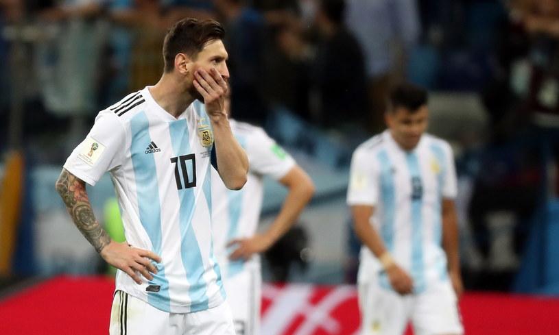 Lionel Messi i jego koledzy z reprezentacji znaleźli się pod ścianą /PAP/EPA