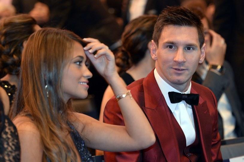 Lionel Messi i jego przyszła żona Antonella Roccuzzo /AFP