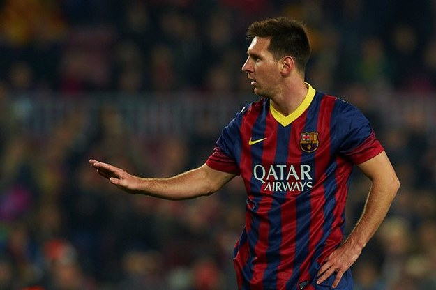 Lionel Messi jest jednym z kandydatów do nagrody /DPA/S.Lau    /PAP