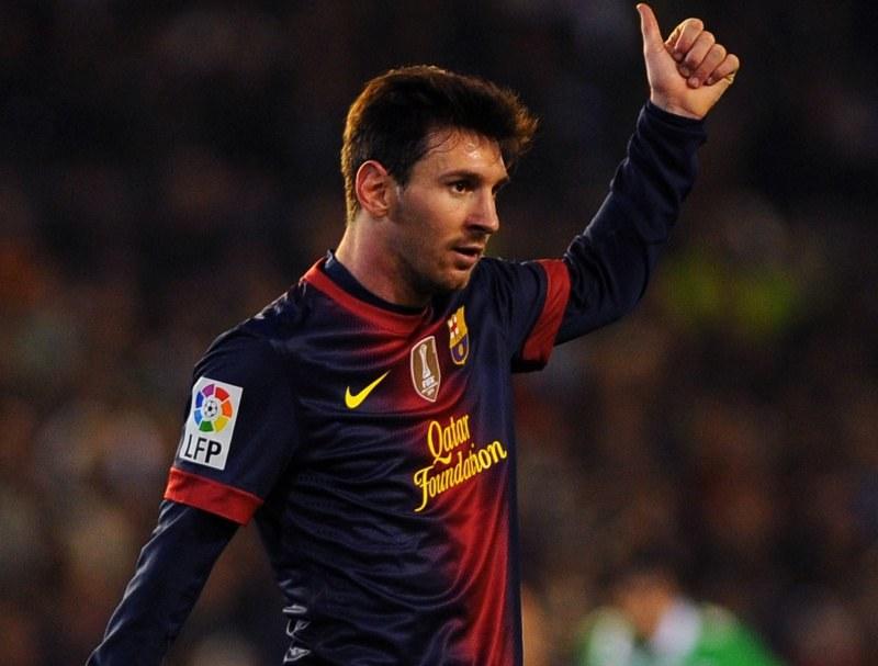 Lionel Messi nie wpada w euforię po poprawieniu kolejnych rekordów /AFP