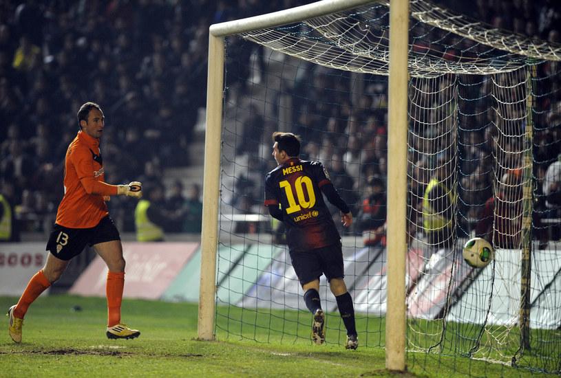 Lionel Messi po zdobyciu pierwszego gola dla Barcelony w meczu z Cordobą /AFP
