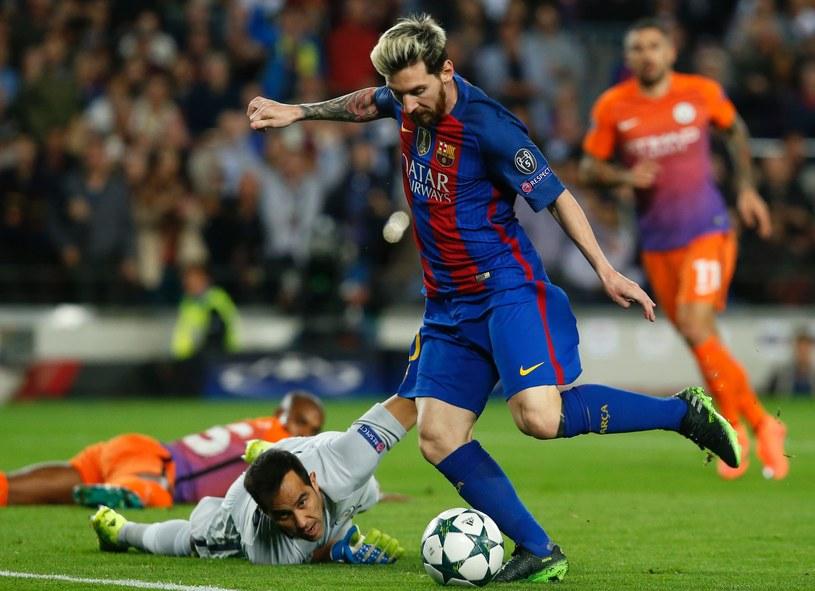 Lionel Messi strzela gola na 1-0 /AFP