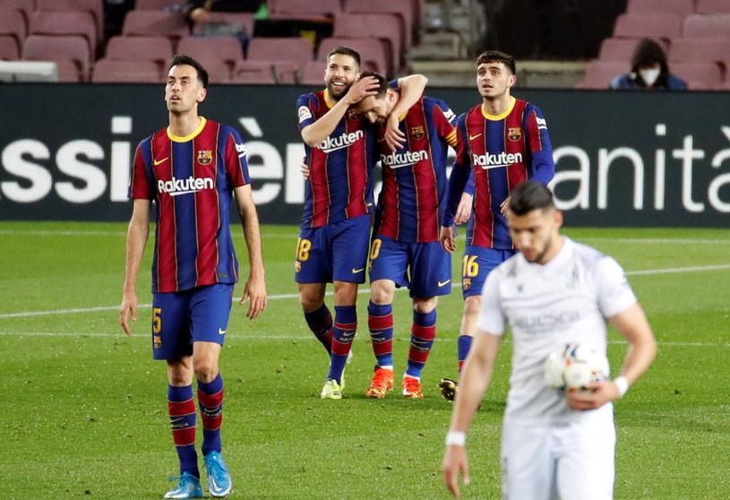 Lionel Messi (w środku) /PAP/EPA
