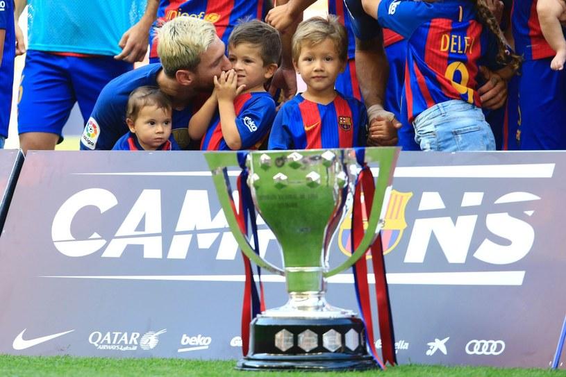 Lionel Messi z synem Thiago /AFP