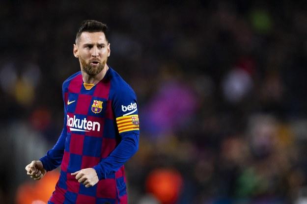 Lionel Messi zostaje w Barcelonie /Siu Wu /PAP/DPA