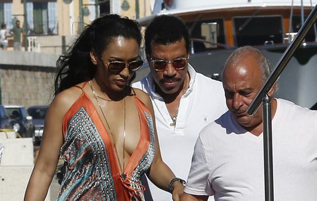 Lionel Richie z nową ukochaną /Abaca /East News