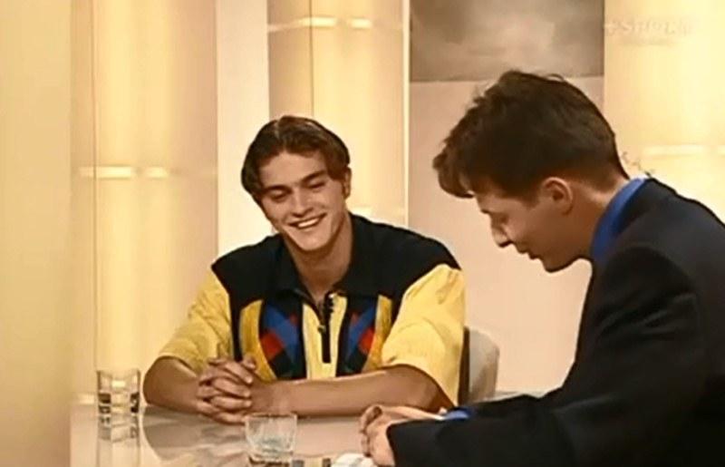 Lipiec 1998. Marcin Żewłakow w studio Canal + rozmawia z Andrzejem Twarowskim /YouTube