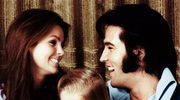 """Lisa Marie Presley i Elvis Presley w duecie (""""Where No One Stands Alone"""")"""