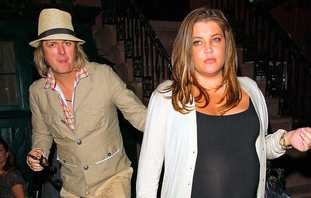 Lisa Marie Presley z mężem  /Splashnews