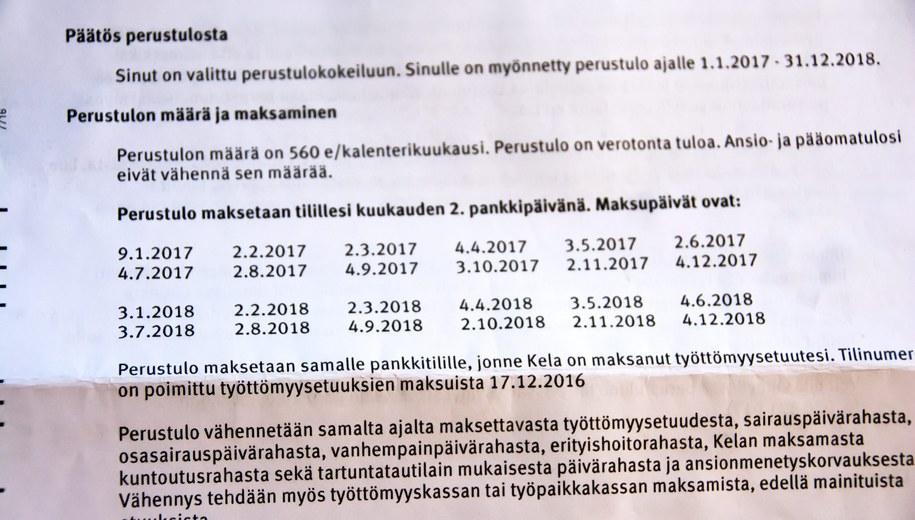 List z urzędu informujący o zaangażowaniu adresata w program dochodu gwarantowanego /MIKA PUTRO /PAP/EPA