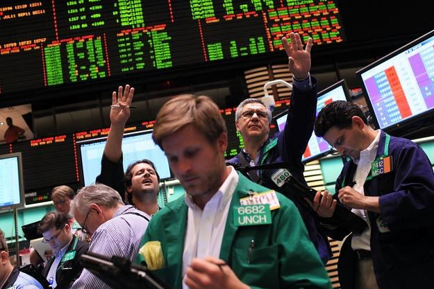 Listopad tego roku może być dla inwestrów niebezpieczny /AFP