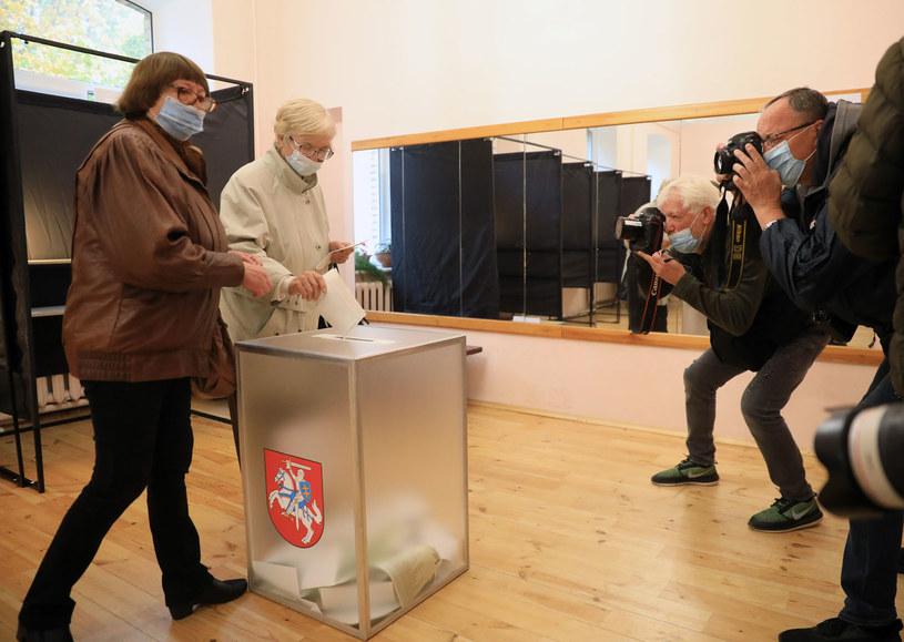 Litwa: Rozpoczęła się druga tura wyborów parlamentarnych /PETRAS MALUKAS /AFP
