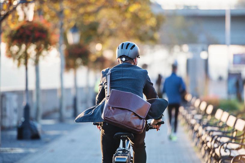 Litwini mogą wymienić auto na rower elektryczny /123RF/PICSEL