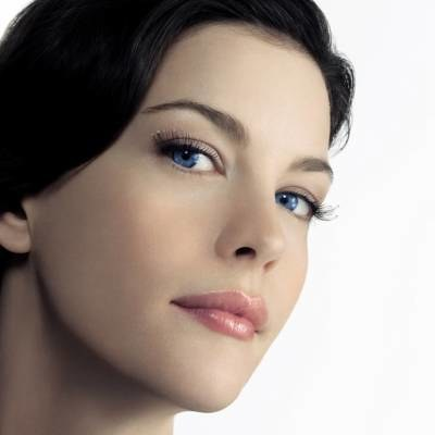 Liv Tyler w makijażu Givenchy /materiały prasowe