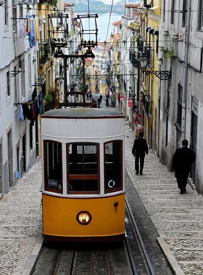 Lizbona wyludnia się jak cała Portugalia. Fot. Jasper Juinen /Getty Images/Flash Press Media