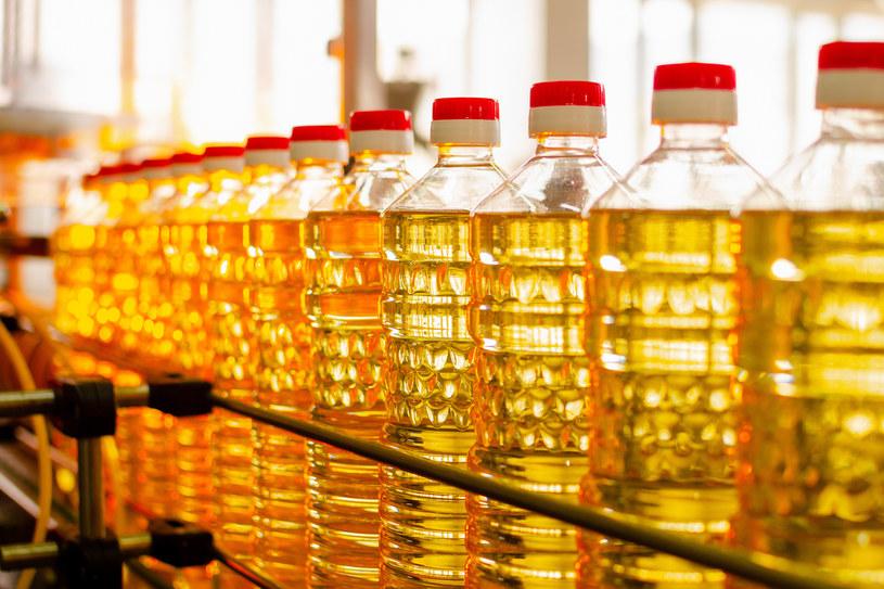 Lniany lub rzepakowy olej wspomoże odporność /123RF/PICSEL