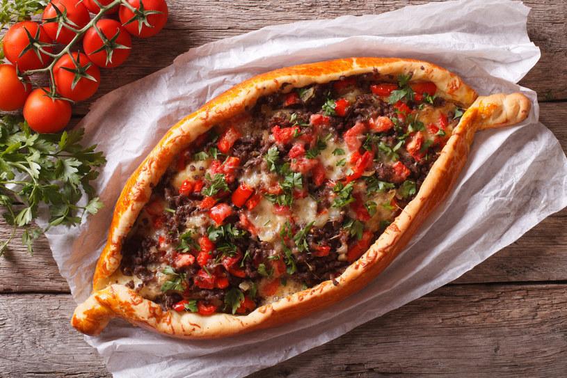 Łódeczki pomidorowo-paprykowe /123RF/PICSEL