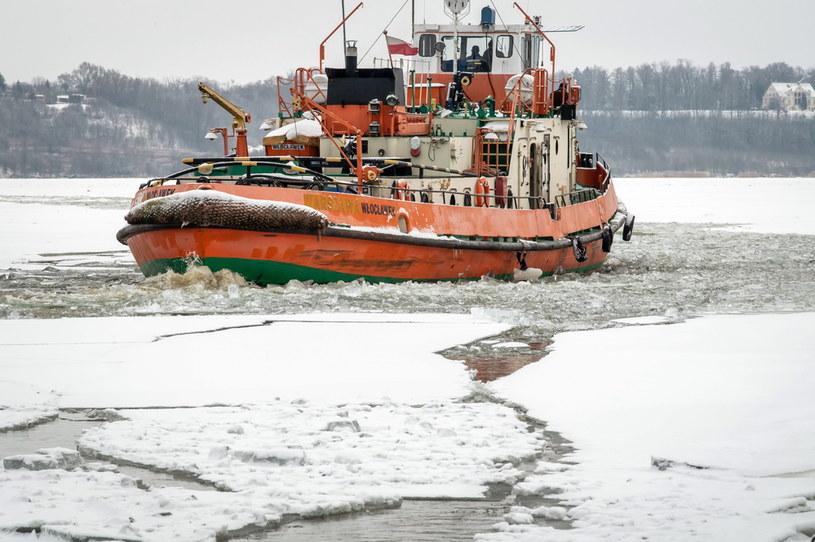Lodołamacz na terenie Zbiornika Wodnego Włocławek / Tytus Żmijewski    /PAP