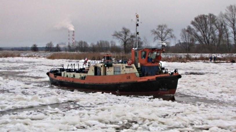 Lodołamacze wypłynęły na Wisłę; skruszą lód u ujścia rzeki /RMF