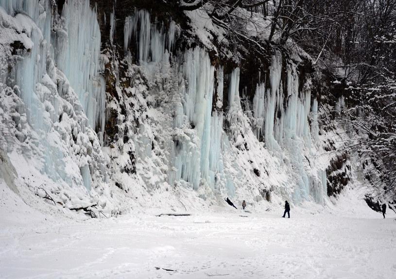 Lodospady w Rudawce Rymanowskiej robią ogromne wrażenie /Wojciech Zatwarnicki /East News