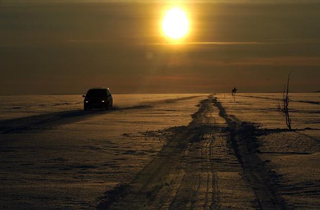 Lodowa autostrada w Estonii /AFP
