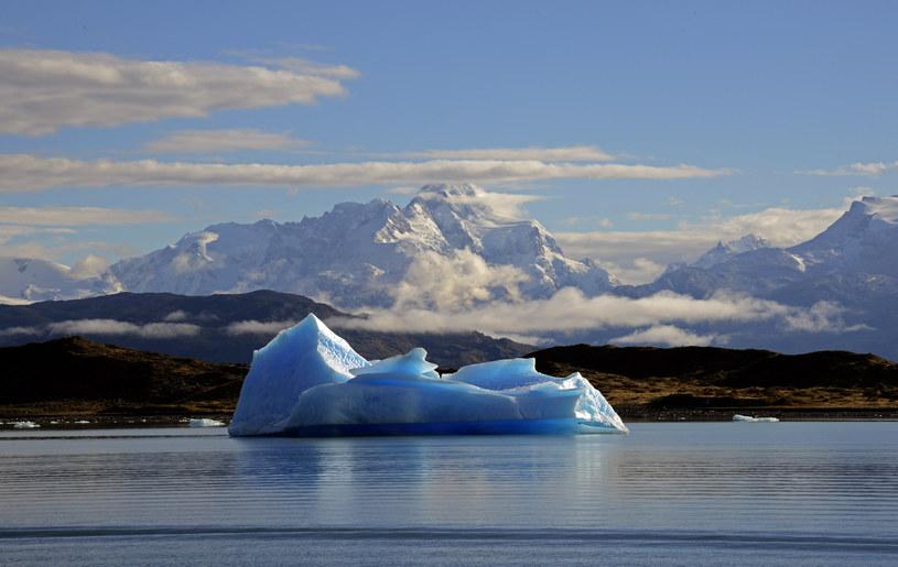 Lodowce topnieją, a poziom oceanów wzrasta /AFP