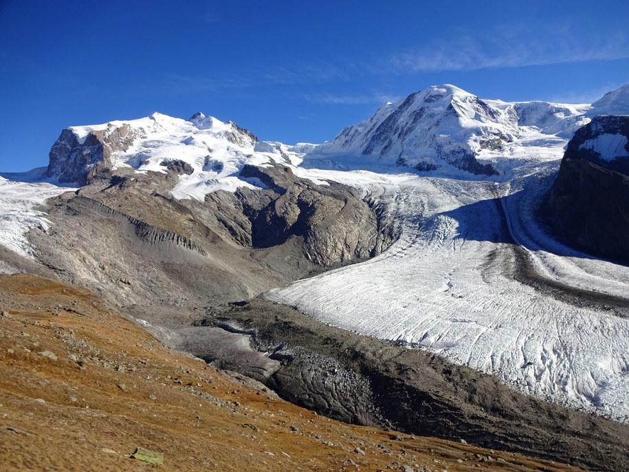 Lodowiec Gorner w masywie Monte Rosa, drugi największy lodowiec Alp, w lecie 2017 roku /M. Huss /Materiały prasowe