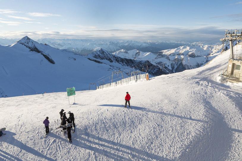 Lodowiec Hintertux to dobre miejsce na zimowy urlop /123RF/PICSEL