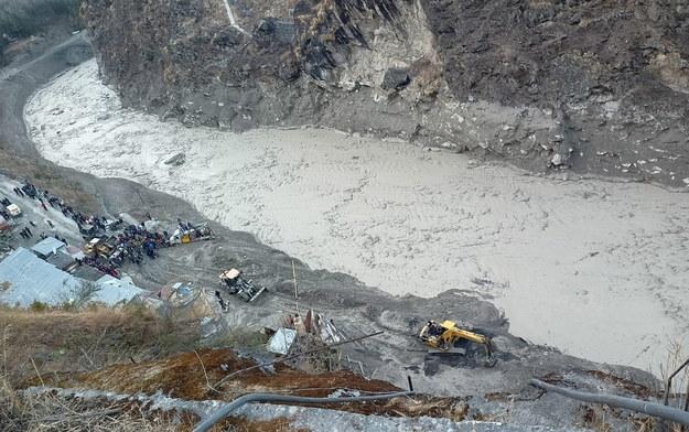 Lodowiec zerwał się, powodując ogromne powodzie /ARVIND MOUDGIL /PAP/EPA