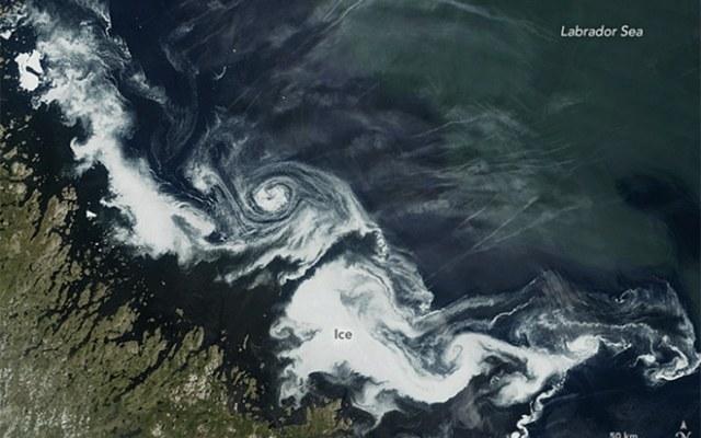 Lodowy wir u wybrzeży Kanady /NASA