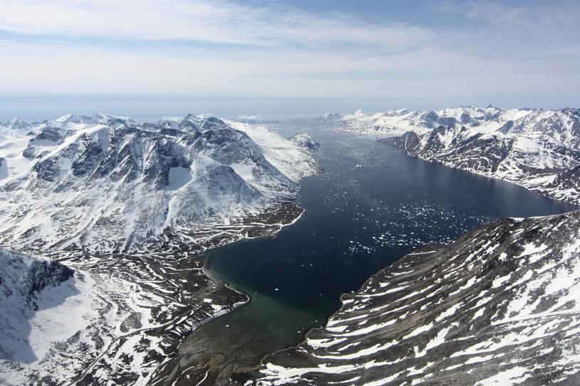 Lodu ciągle ubywa, w przeciwieństwie do silnie szkodliwych substancji, które uwalniane są do Oceanu Arktycznego /Maria-Jose Vinas, NASA/Science Photo Library/East News /East News