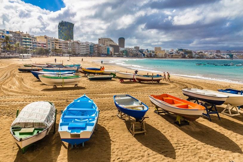 Łodzie na plaży w Las Palmas /123RF/PICSEL